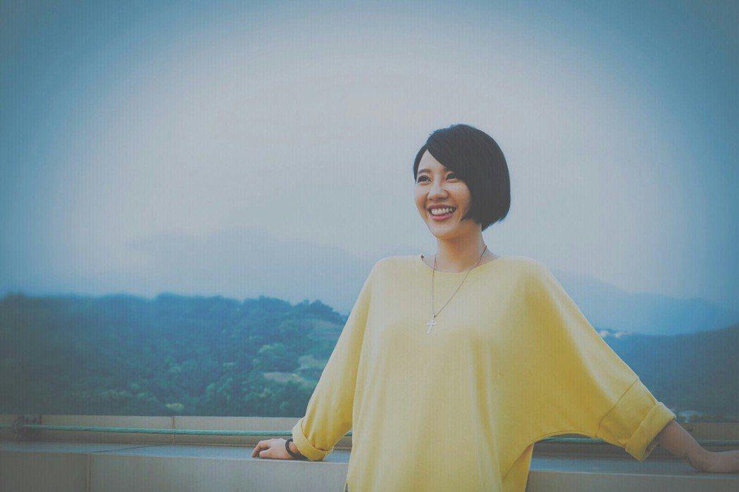 方宥心主演「外鄉女」、唱片尾曲,隔了22年再拍MV。圖/民視提供