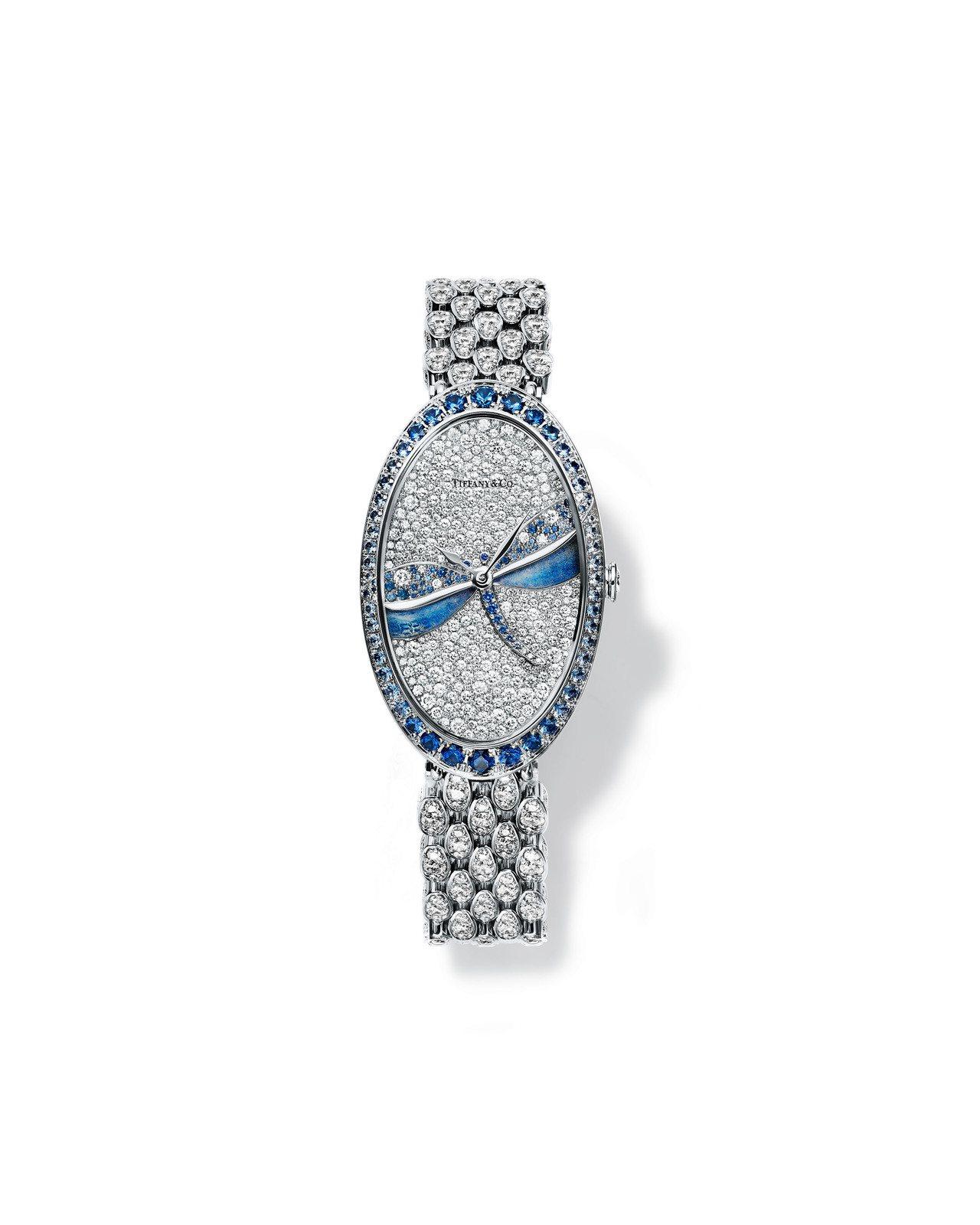 2017 Blue Book系列腕表,表盤鑲飾51顆圓形切割淺藍色剛玉的蜻蜓,採...