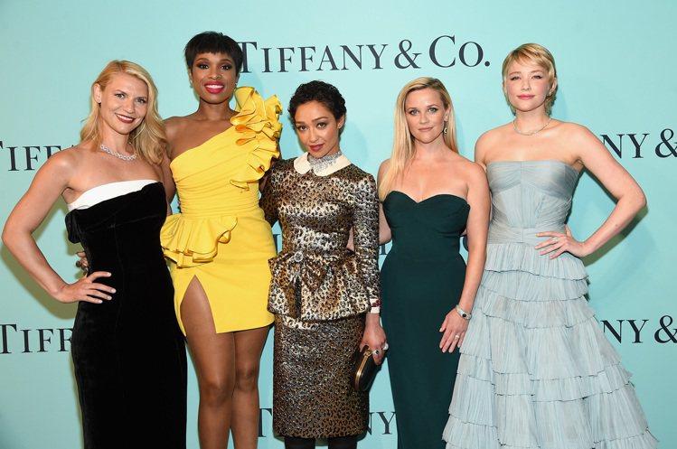 克萊兒丹妮絲、珍妮佛哈德遜、露絲奈嘉、瑞絲薇絲朋以及海莉班奈特,五位影歌壇成績傲...