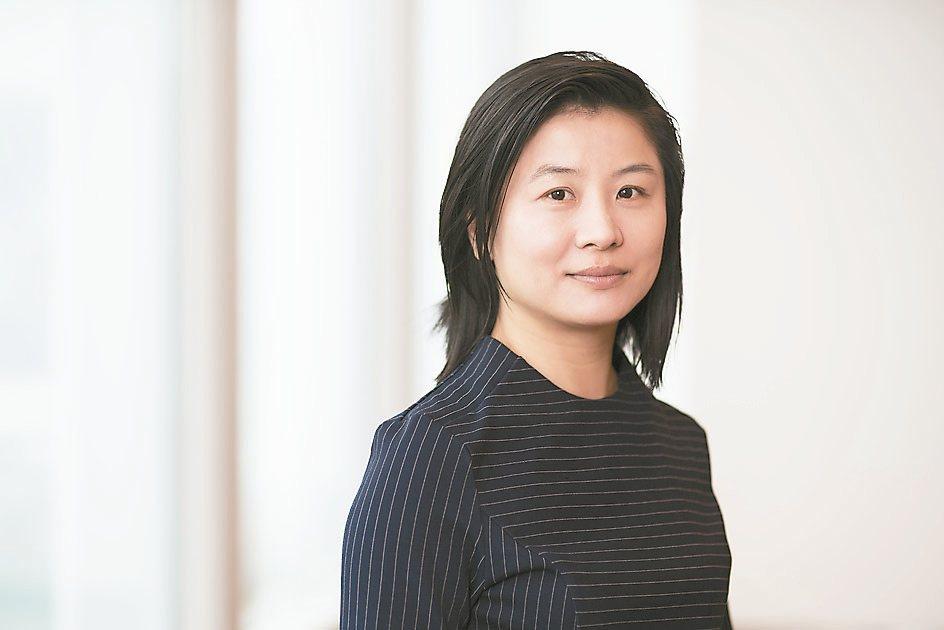 瑞銀財富管理首席中國經濟學家胡一帆指出,大陸在持續的購房熱潮及穩健的基建投資推動...
