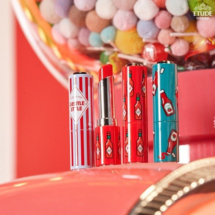 ETUDE HOUSE自作主妝~琉璃光水漾唇膏售價420元,共20色;自作主妝~...