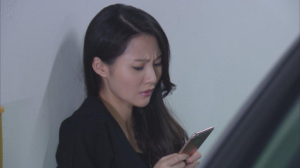 華千涵演出「春花望露」中的癡心女。圖/民視提供