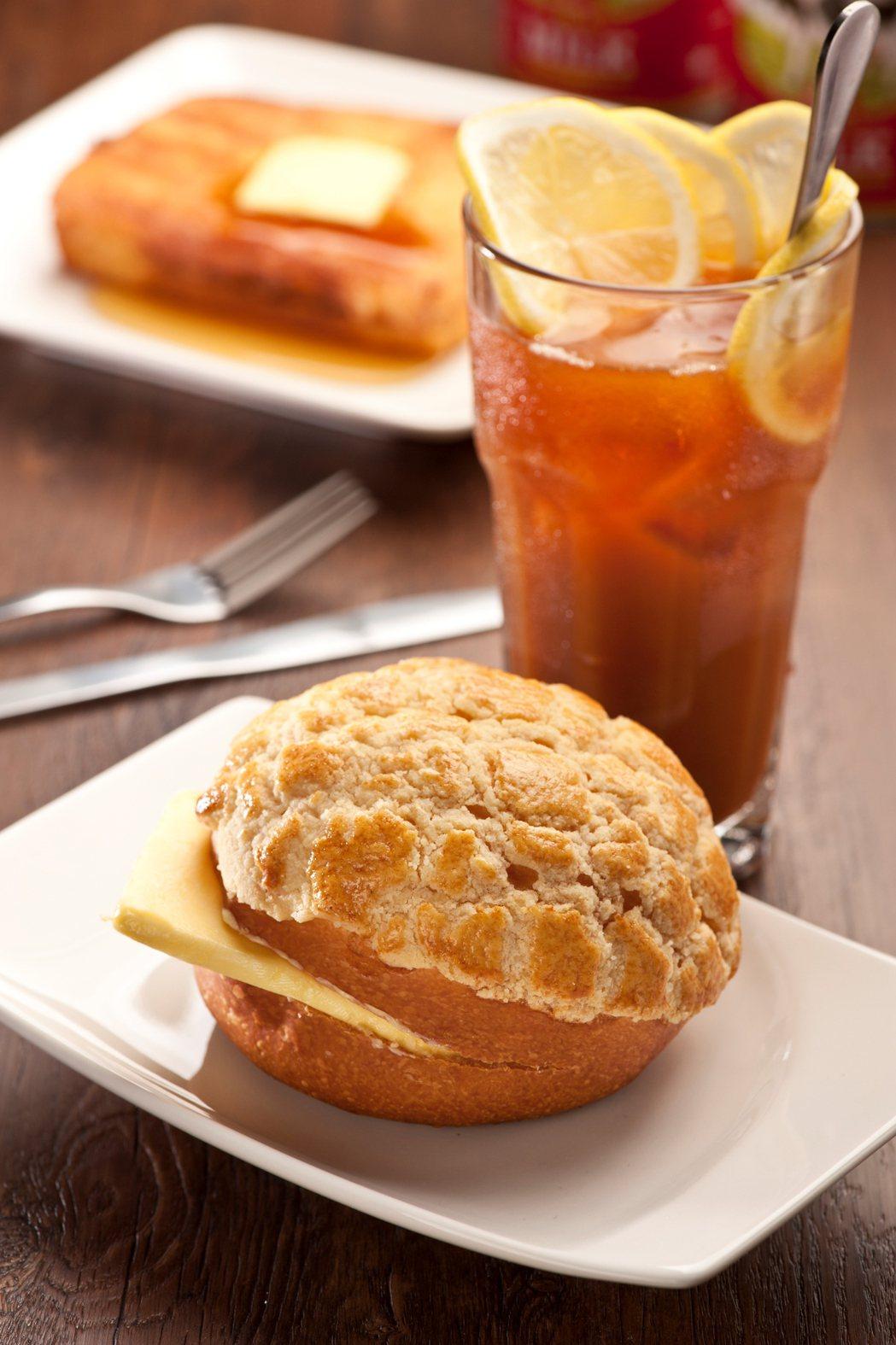 檀島咖啡餅店的檀島菠蘿油、凍西冷檸檬茶。圖/新光三越提供
