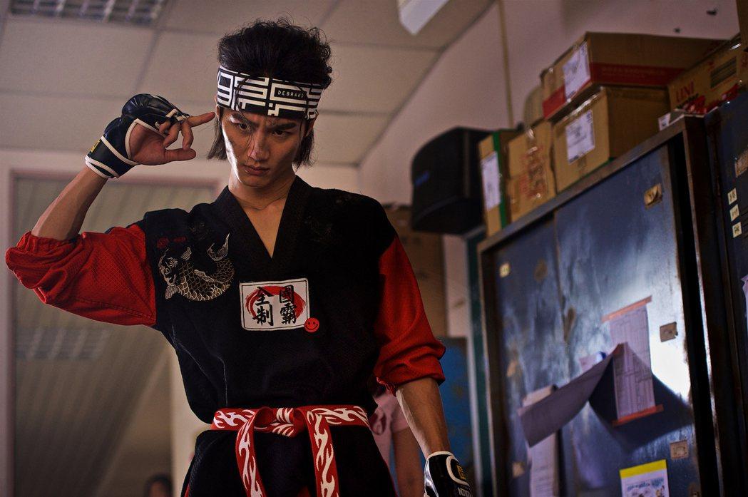 李英宏在「痴情男子漢」中扮演男主角Andy。圖/鐵人文創提供