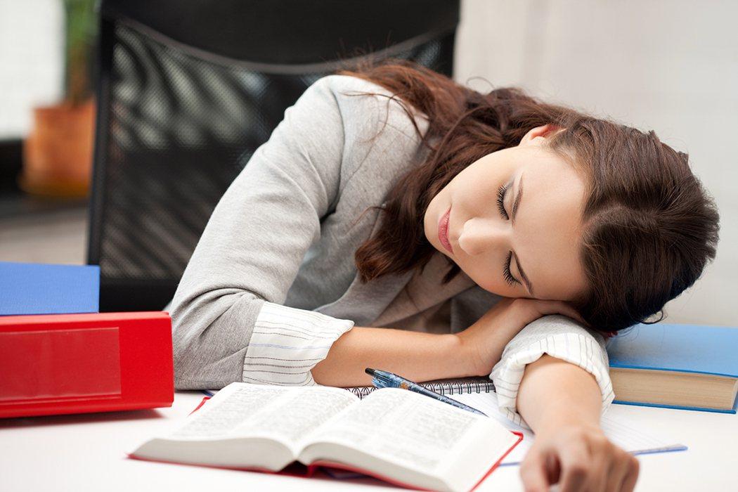 午睡消除疲勞提升專注力? 圖片/ingimage