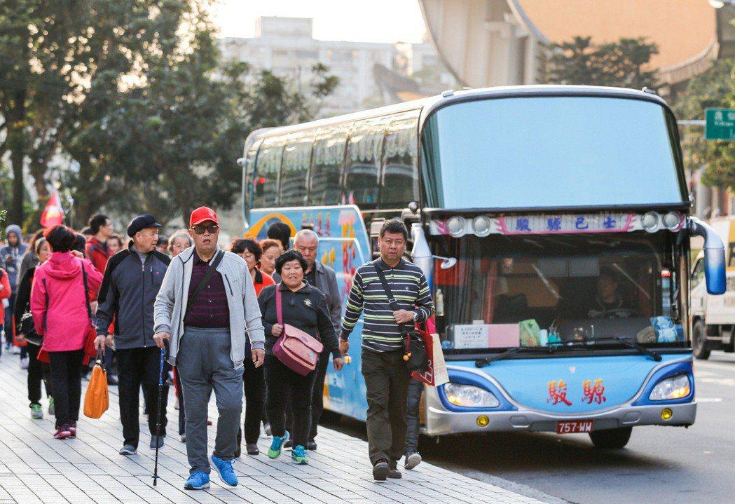 陸客來台觀光人數減少,遊覽車業者喊苦。 聯合報系資料照
