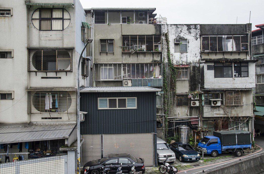 內政部調查發現,民眾若發現房屋有安全疑慮,會願意申請重建。聯合報系資料照