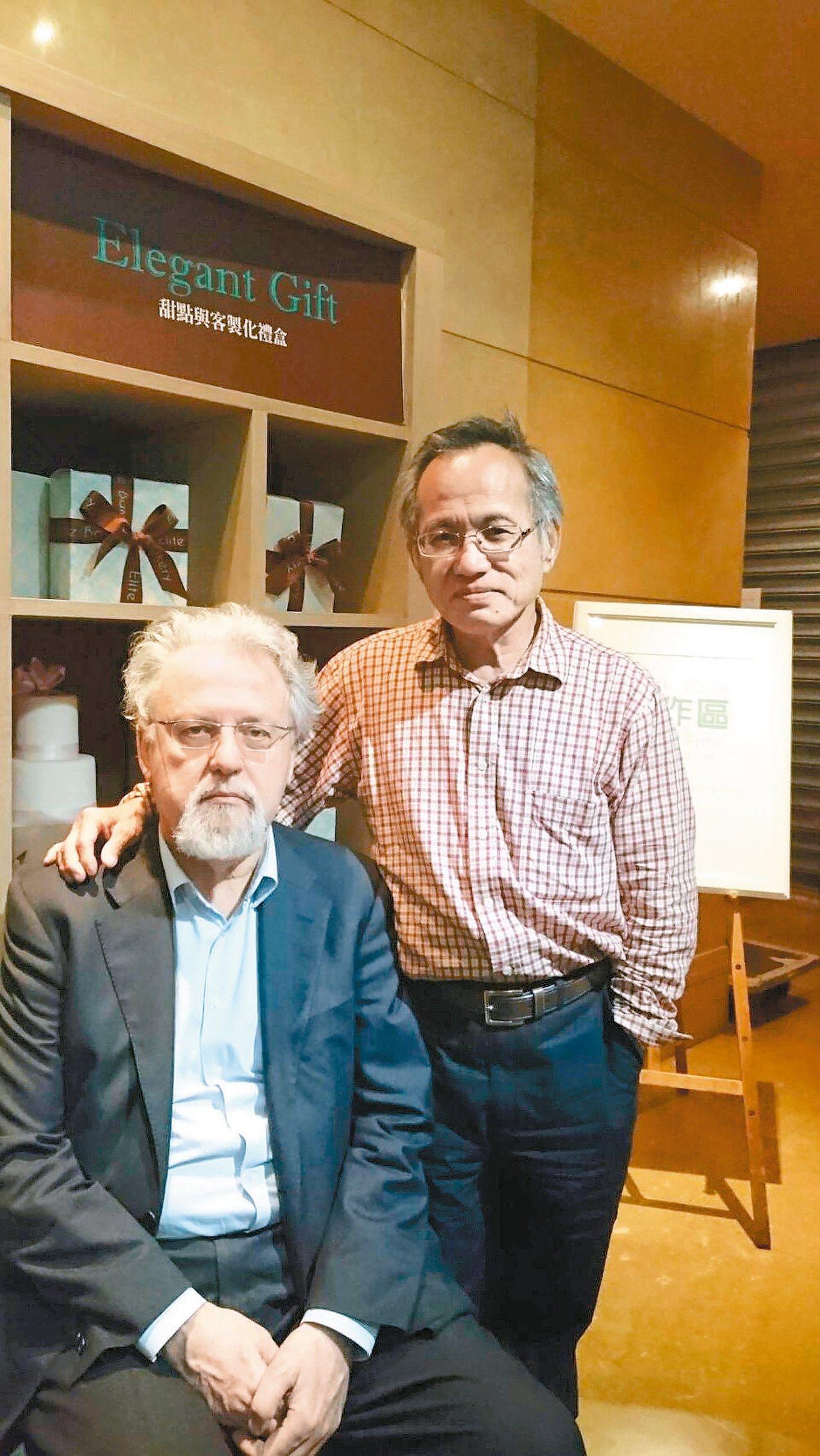 MyWay Group董事長康榮寶(右),與義大利的合作夥伴Sandro Gre...