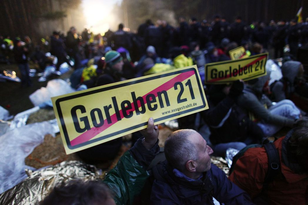 哥爾雷本(Gorleben)作為德國核廢料存放地超過三十年之久,福島核災後,成為...