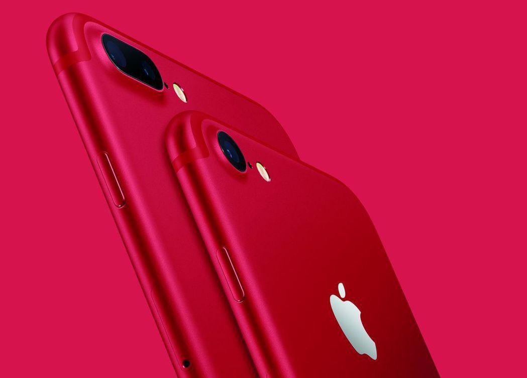 大立光隨蘋果iPhone寫傳奇,目前在高階手機鏡頭優勢及雙鏡頭效應下,股價仍受外...