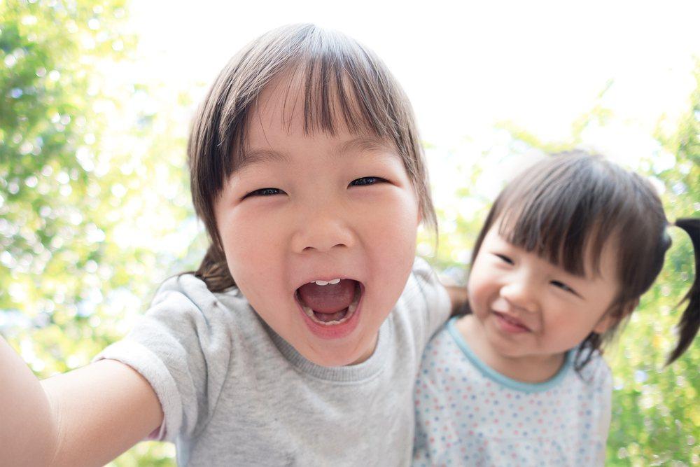 私生活中所發生的事情,就算充滿親情及童趣,如果想要和大家分享,因為涉及小孩子的隱...