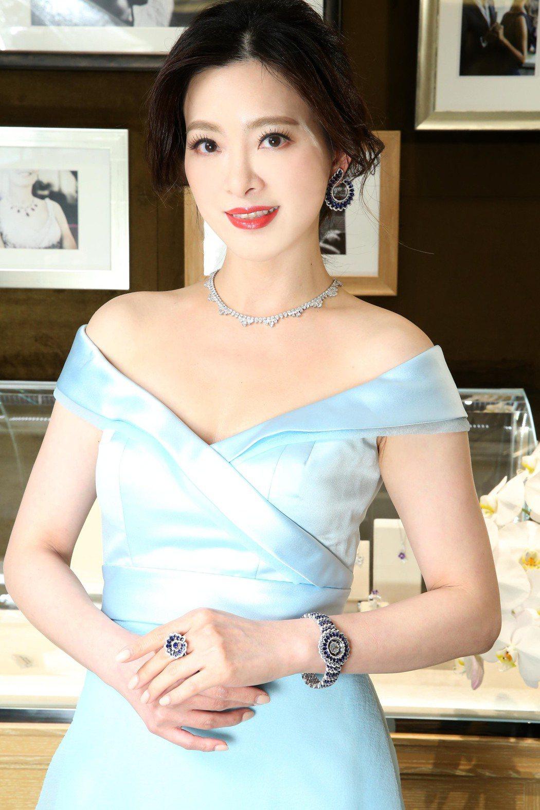 劉真出席蕭邦頂級珠寶記者會,配戴Precious Chopard系列藍寶石鑽石腕