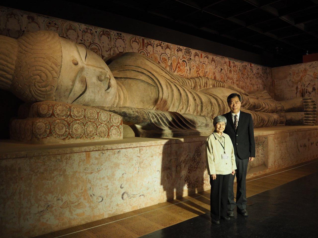 第158號「涅槃窟」位於莫高窟南端,原長15公尺臥佛,科博館現場仿製為13公尺,...