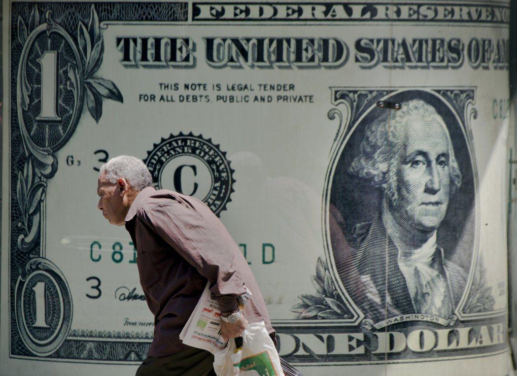 美國可以為了自身的利益,去指責別人過度管控匯率,做為要脅貿易國的外交手段。 圖/...