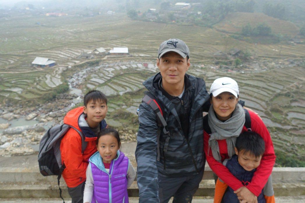 聶雲私底下喜歡帶著孩子親身體驗不同國家及地區的環境與文化。 圖/聶雲提供