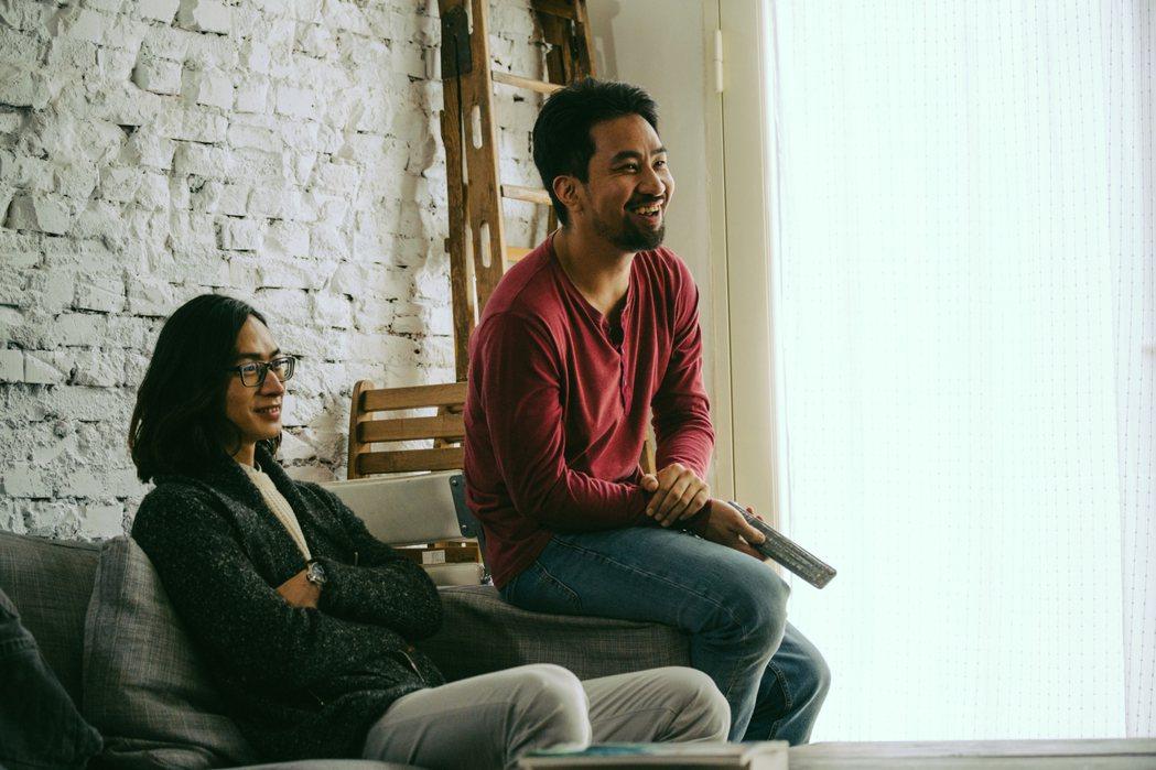 黃健瑋(右)客串「夢裡的一千道牆」,飾演黃河初戀情人的現任男友。圖/好風光提供