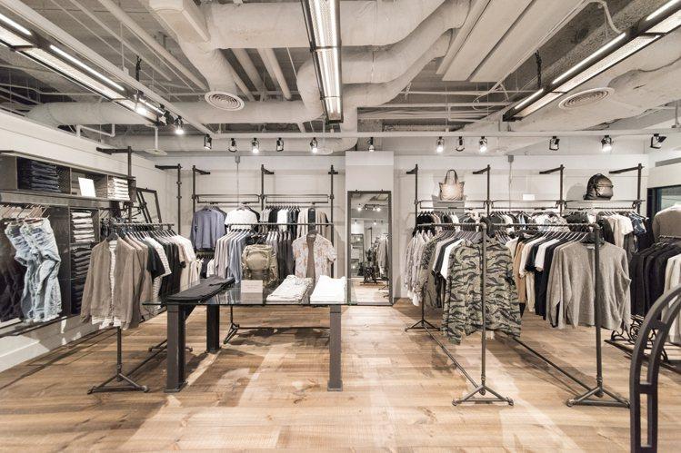 AllSaints微風廣場店,展現品牌的英倫工業風。圖/AllSaints提供