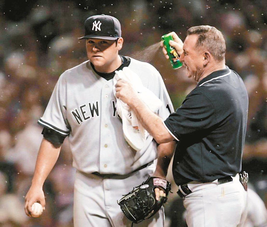 洋基在2007年季後賽爆發「蟲蟲危機」,嚴重影響後援投手張伯倫的控球。 取材自網...