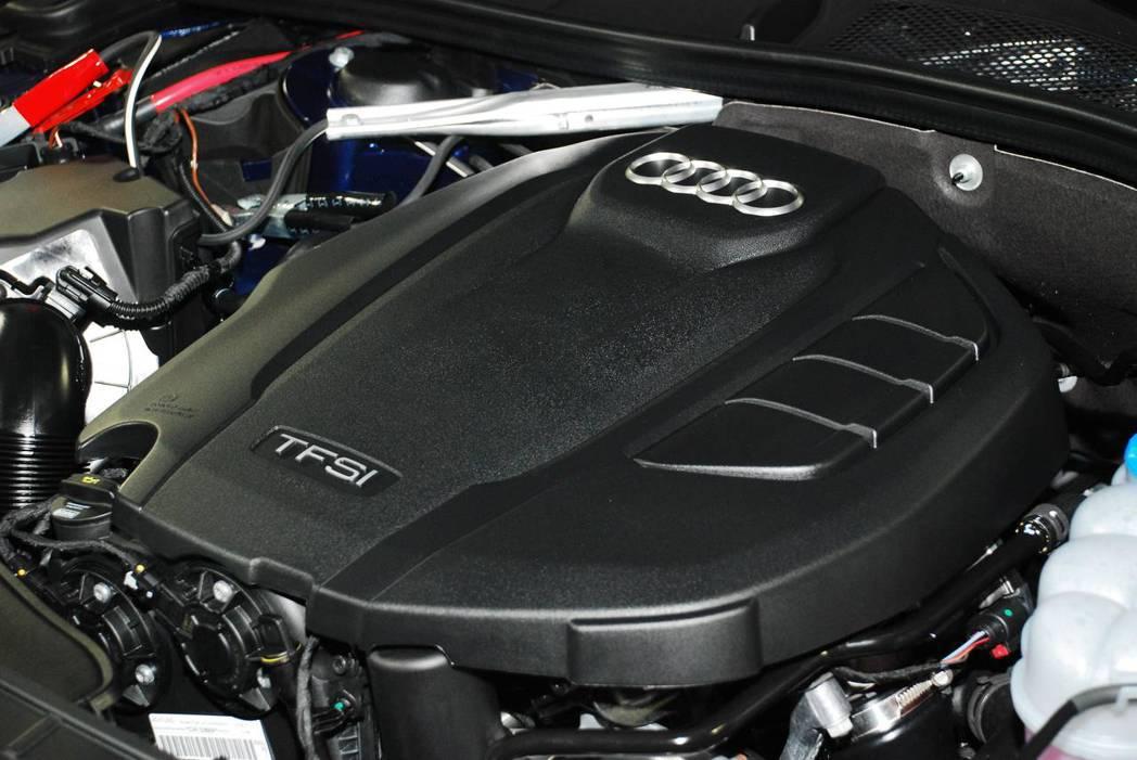 新世代Audi A5 Sportback Sport使用2.0升汽油引擎,S5則使用3.0汽油引擎。圖/記者林昱丞攝影