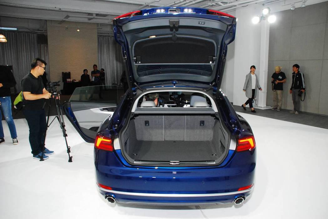 新世代Audi A5 Sportback Sport行李箱擁有480L。圖/記者林昱丞攝影