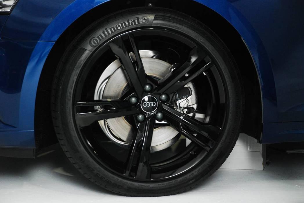 新世代Audi A5 Sportback Sport選配19吋輪圈。圖/記者林昱丞攝影