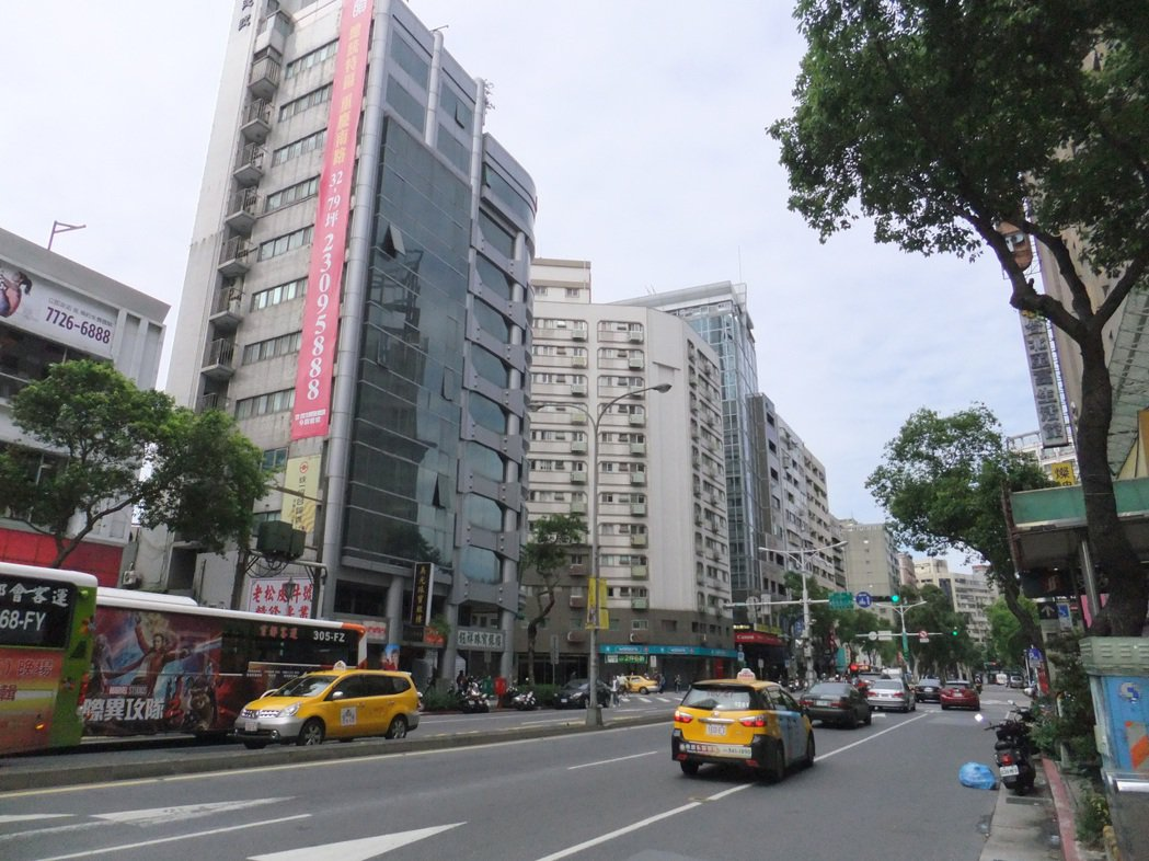 房市回溫趨緩,台北市交易量較上月增加9.2%。記者游智文/攝影