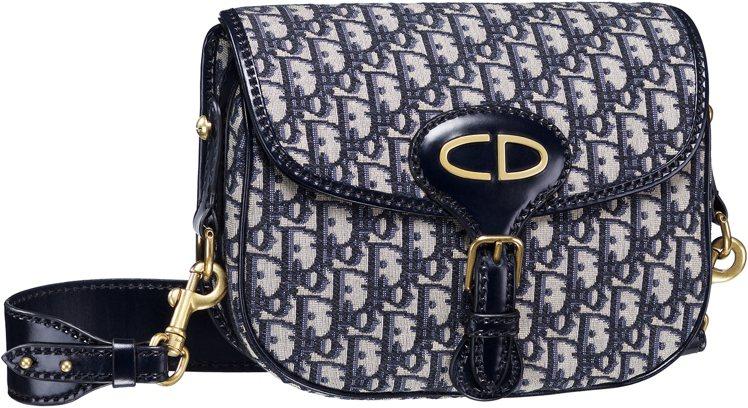 Dior Oblique丹寧色復古logo花紋帆布與小牛皮滾邊馬鞍包,售價69,...