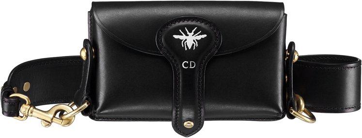 Angelababy款D Bee黑色小牛皮與小蜜蜂圖騰彈盒型側背包,售價69,0...