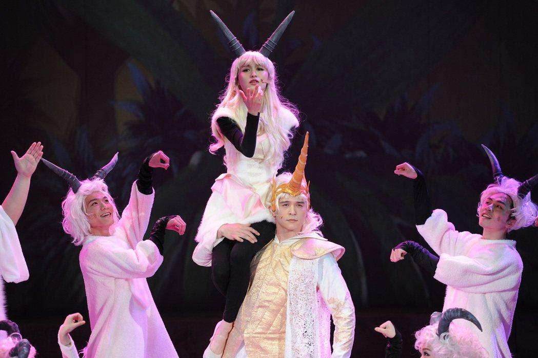 「千面惡女」音樂劇總彩,管罄和倪安東對戲。圖/寬宏提供