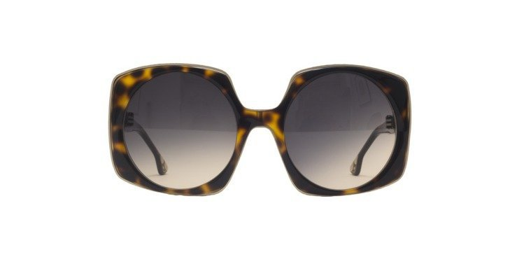 玳瑁色方形太陽眼鏡,12,900元。圖/Alice+Olivia提供