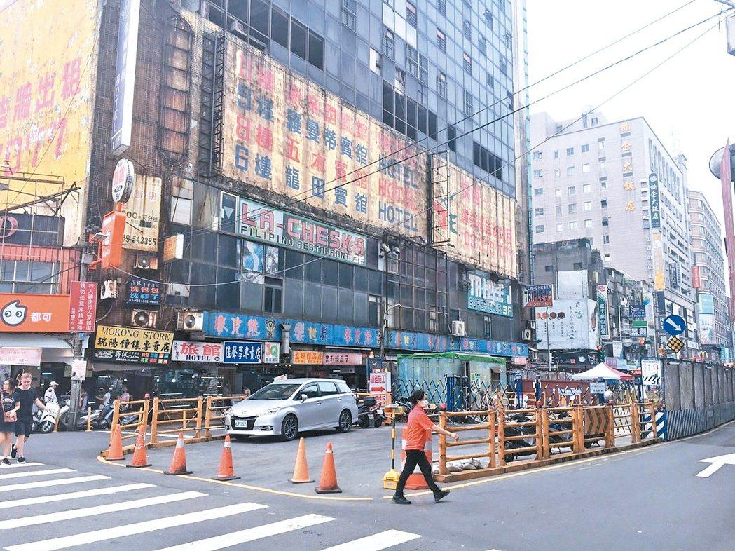 機場捷運今年3月通車後,桃園房市升溫不少。圖為中壢車站一帶。 台灣房屋提供