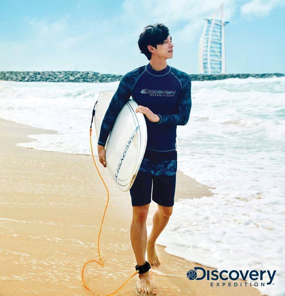 孔劉在Discovery EXPEDITIOND形象照片展現好身材。圖/取自mo...