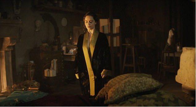 艾蜜莉亞克拉克在新電影中再度性感演出。圖/摘自Daily Mail
