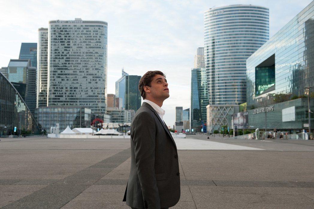 「巴黎交易員」看似光鮮亮麗的生活,卻有很多不堪的內幕。圖/海鵬提供