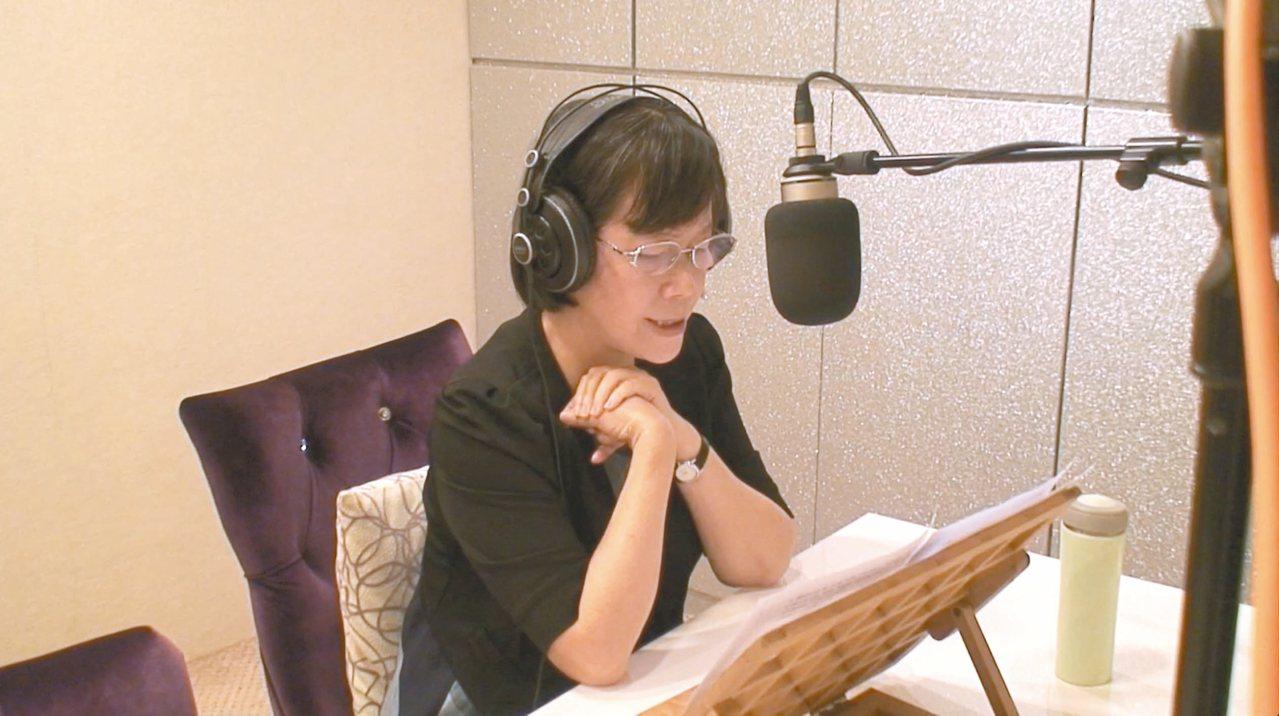 廖玉蕙近日出版「台語讀散文有聲書」,每篇散文都反覆讀了五、六十遍,校正發音,才敢...