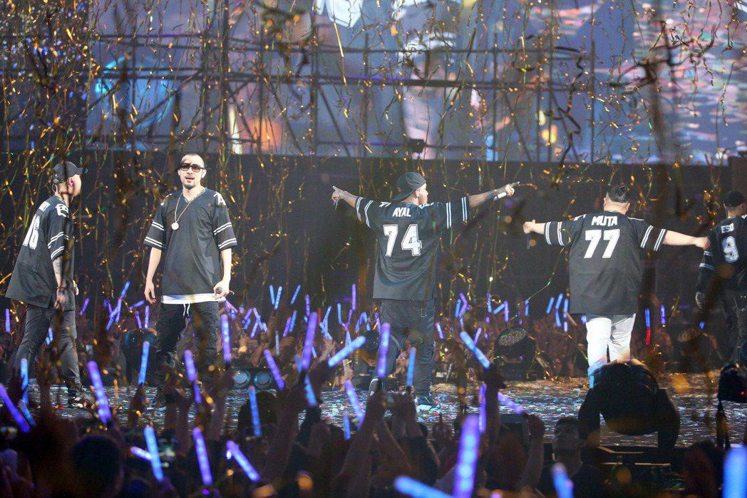 兄弟本色30日在台北小巨蛋開唱。記者陳瑞源/攝影