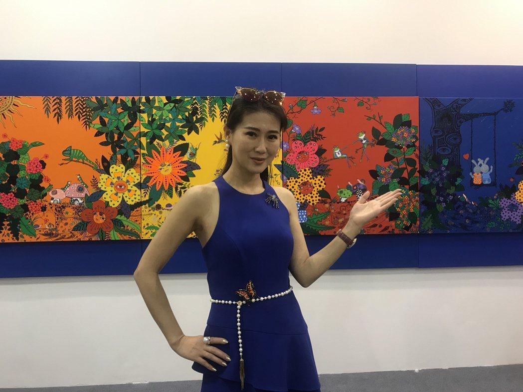 米凱莉參加北京藝術展,五米畫作獻展。圖/明悅整合行銷提供