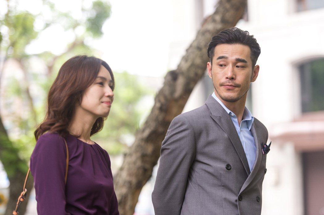 黃騰浩(右)客串「只為你停留」,飾演小薰年未見的筆友。圖/三立提供
