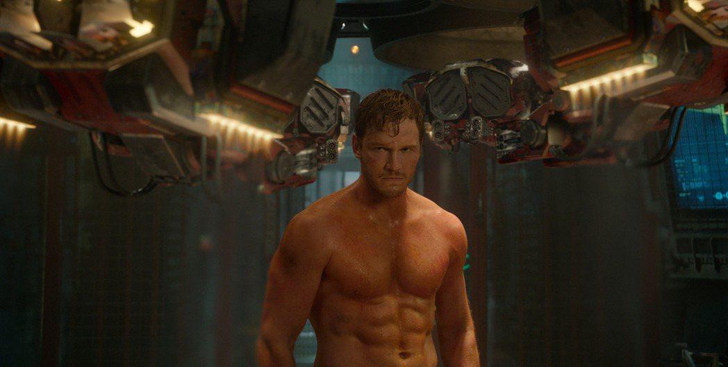 克里斯普萊特從肥胖諧星轉為肌肉猛男,曾在「星際異攻隊」中露出壯碩身材。圖/博偉提...