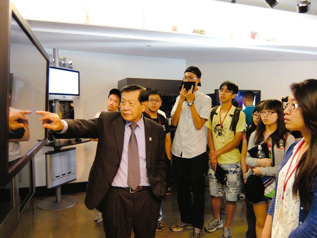 李昌鈺博士親自說明經典案例。 圖/聯合報系有行旅