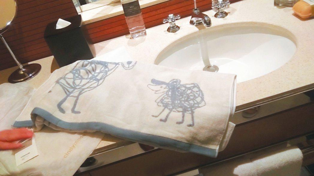 「水木代山」立體重現繪本中經典動物角色的「觸碰的療癒毛巾組」。 圖/誠品、誠品行...