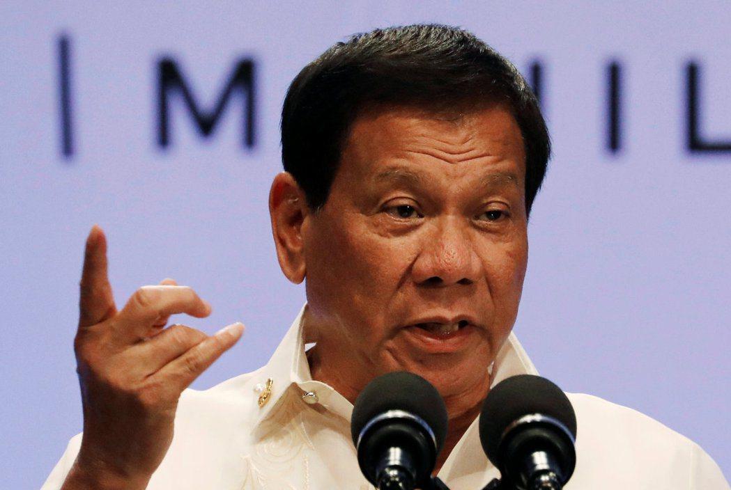 對於美國總統川普邀請訪美,菲律賓總統杜特蒂表示,因行程太忙,可能無法。路透