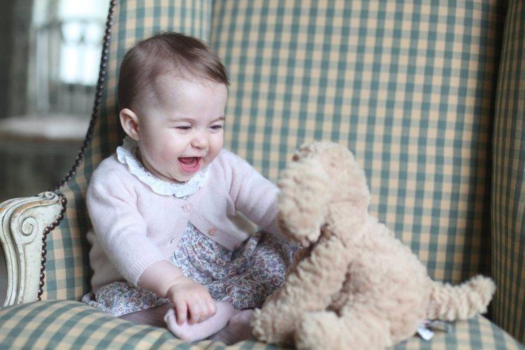 夏綠蒂公主招牌的可愛笑容。圖/美聯社
