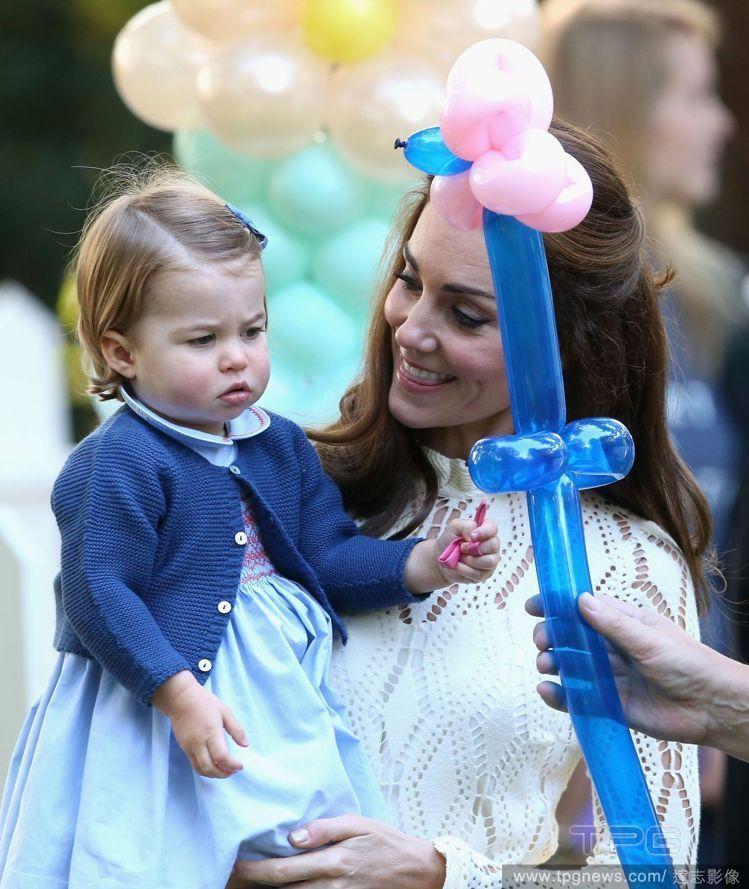 凱特王妃與女兒夏綠蒂公主。圖/達志影像