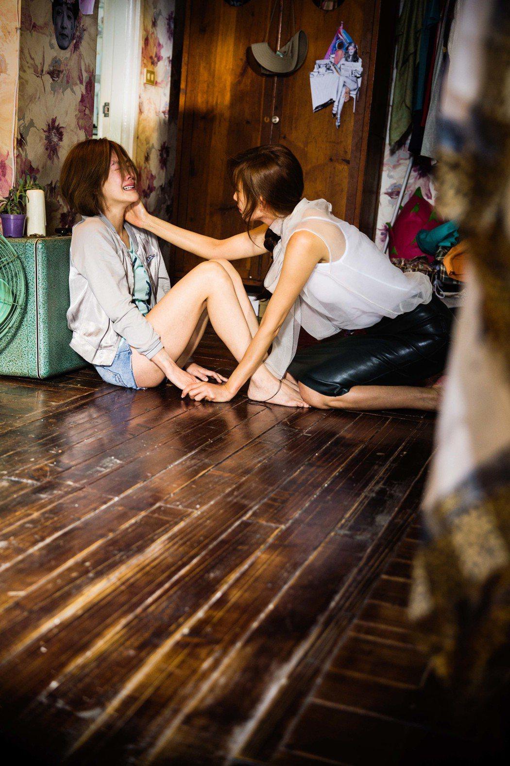 林志玲(左)與小S(右)因為一場抱頭痛哭的感情,化解隔閡成為真正好友。圖/凱擘提...