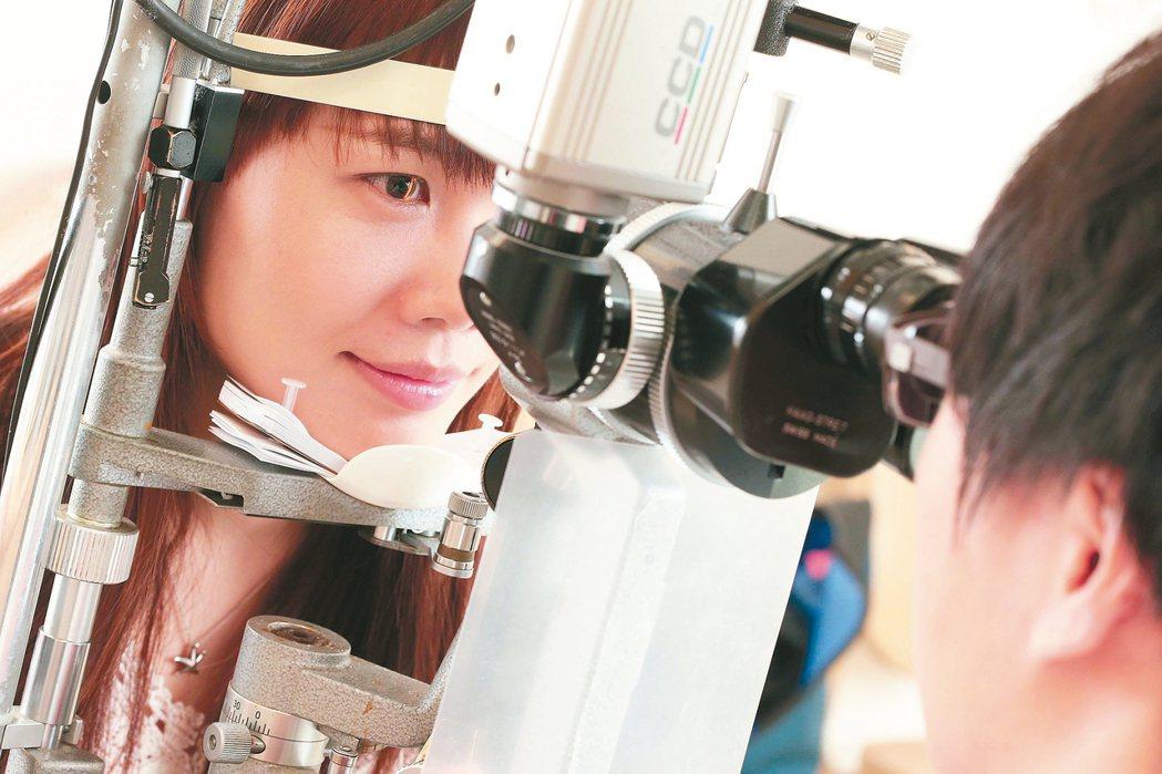 四月底在香港舉行的青光眼治療討論會議中,除了有亞洲未來學趨勢大師之稱的邁克渥許談...