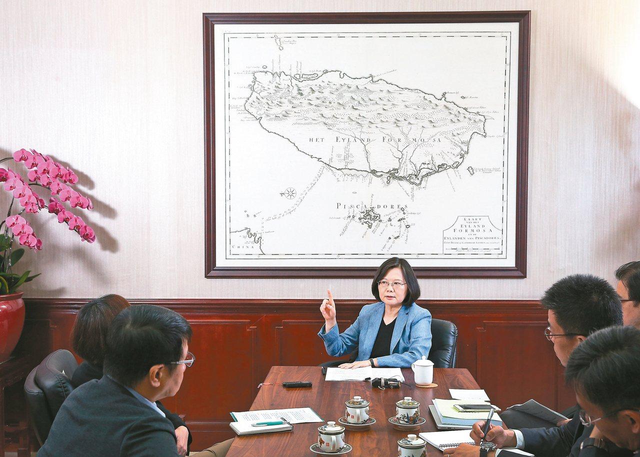 民進黨主席蔡英文今天(3日)表示,無法接受漫無目的的程序拖延,更稱民進黨在野時不...