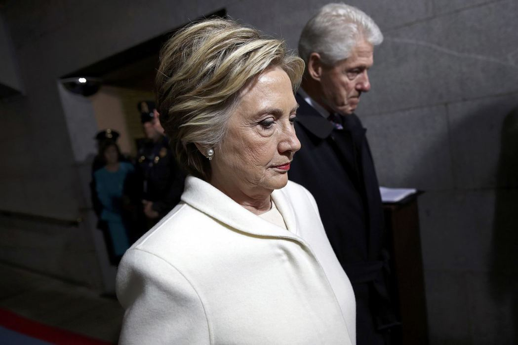柯林頓談敗選 批俄與FBI嚇跑支持者