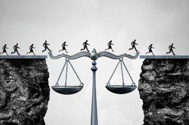為何我們要不斷立法與修法?