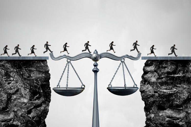 立法者訂定法律時,需要思考道德的哪些影響? 圖/ingimage